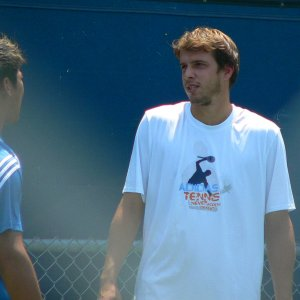 Muller and Srichaphan practicing
