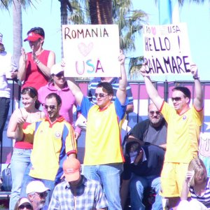 Sunday - Romanian Fans' Signs!