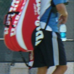 Gilles Muller heading to practice